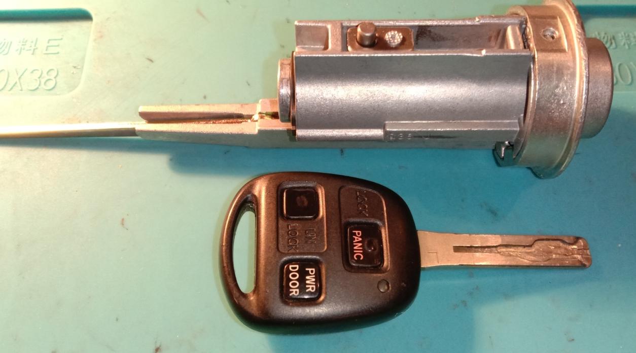 Ремонт замка зажигания автомобиля Лексус RX330
